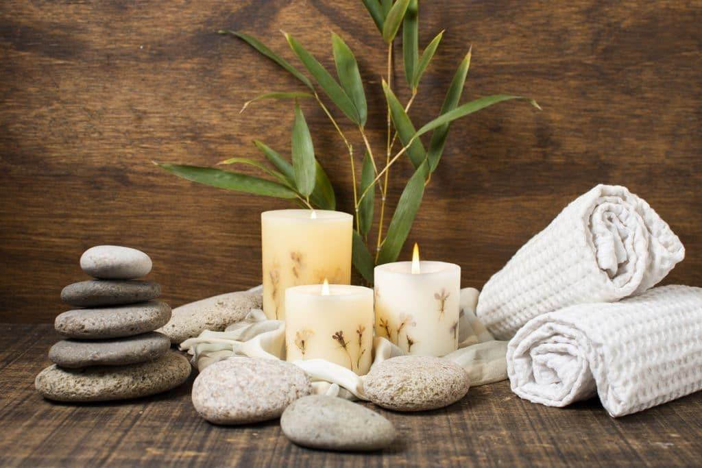 La luz, los olores, las texturas y los sonidos juegan un papel  importante en la ambientación del Spa.