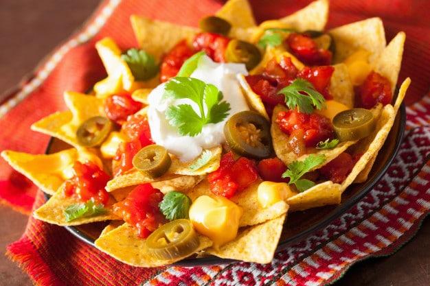 Los nachos no pueden faltar en tu restaurante mexicano